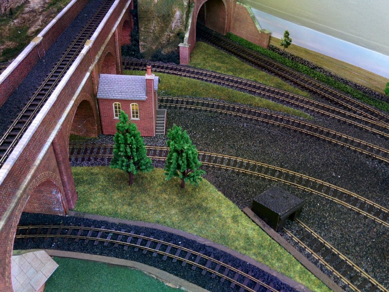 Viaduct Grass 1