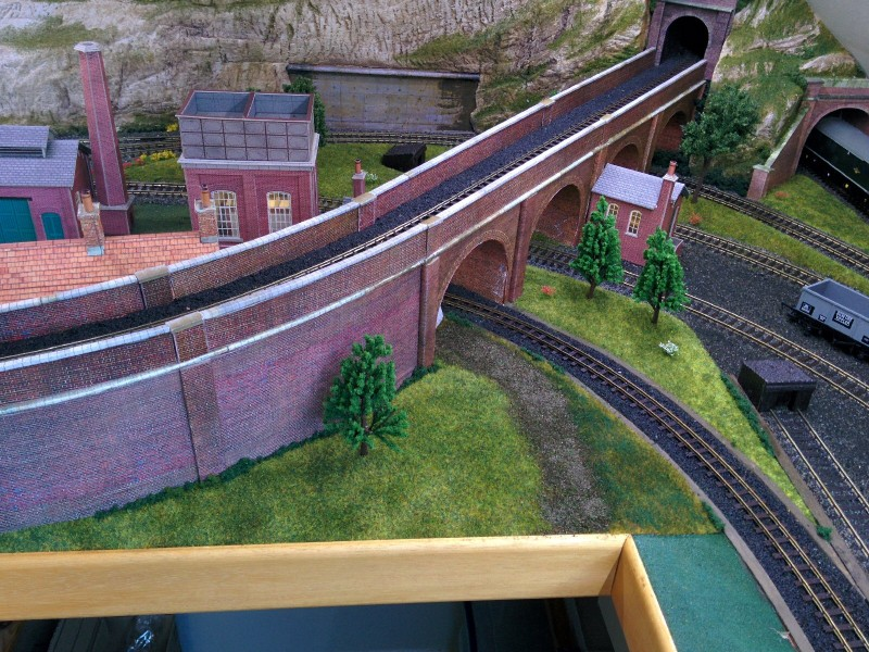 Viaduct Grass Finished